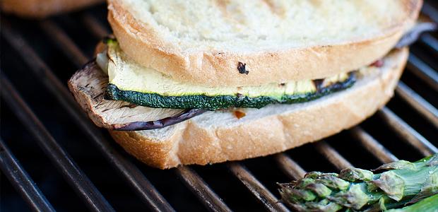 Mediterrane Gemüse-Sandwiches vom Grill