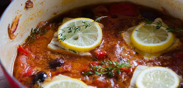 Polardorsch geschmort in mediterraner Weißweinsauce